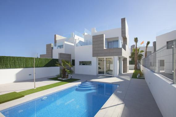 Modern new build villas approx 3 km from the beach